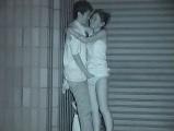 夜の屋外でセックスするカップルを盗撮