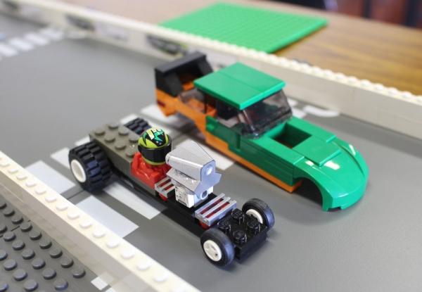 greenfunnycar_4.jpg