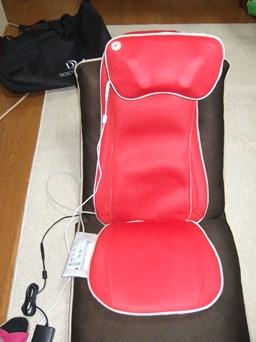 3/8 座椅子にマッサージシート取り付け