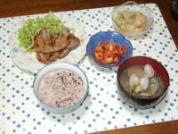 4/16 豚の塩麹ソテー、海老とホタテとアボカドのサラダ、キムチ、アサリの味噌汁、雑穀ごはん