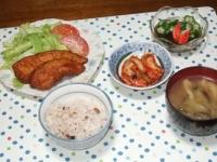 5/19 夕食 甘辛ササミかつ、もずく酢、キムチ、ナスと油揚げと干しエノキの味噌汁、雑穀ごはん