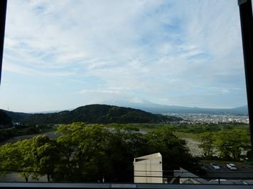5/24 富士川SA展望台からの富士山