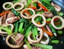 イカと小松菜の麺つゆしょうが炒め 調理⑥