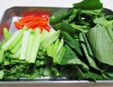 イカと小松菜の麺つゆしょうが炒め 【下準備】②