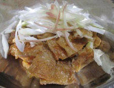 鶏皮とねぎのわさびポン酢和え 調理④