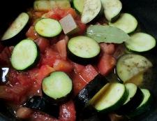 イカと夏野菜のフレッシュトマト煮 調理②