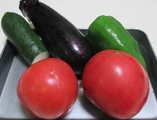 イカと夏野菜のフレッシュトマト煮 材料②