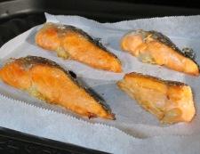 焼き鮭と炒り卵の三杯酢 調理①