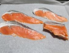 焼き鮭と炒り卵の三倍酢 材料