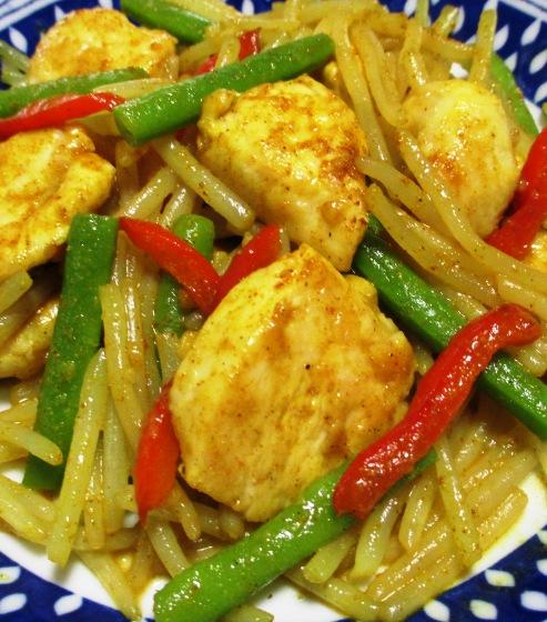 鶏むね肉とモヤシの麺つゆカレー炒め B