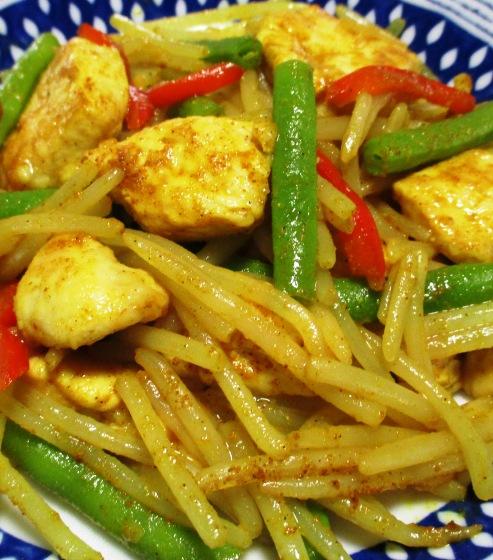鶏むね肉とモヤシの麺つゆカレー炒め 拡大