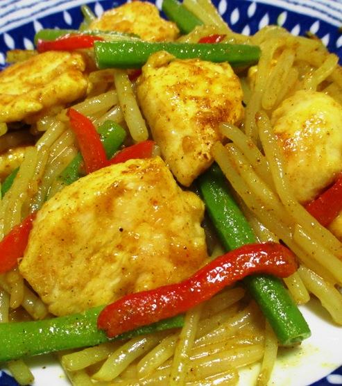 鶏むね肉とモヤシの麺つゆカレー炒め 大
