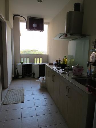 外のキッチン