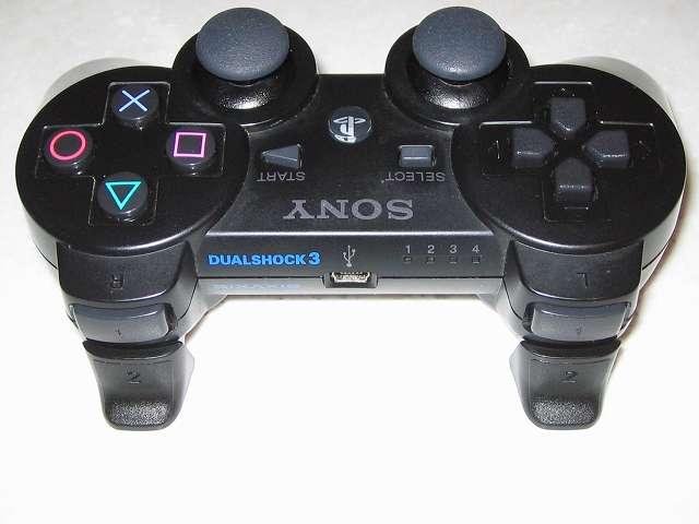 DS3 Dualshock3 デュアルショック3 Wireless Controller Black CECHZC2J A1 アタッチメント用 アクラス PS3用 コントローラーキャップセット L2・R2 ボタン用トリガーキャップ取り付け コントローラー本体上部プラスチックカバーから撮影