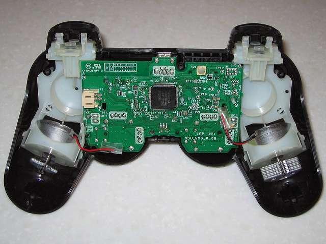 DS3 Dualshock3 デュアルショック3 Wireless Controller Black CECHZC2J A1 コントローラー本体に取り付けた基板固定用白いプラスチック台座に電子回路基板を取り付け