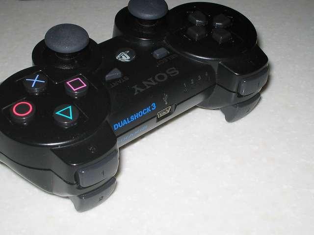 DS3 Dualshock3 デュアルショック3 Wireless Controller Black CECHZC2J A1 ネジを締めコントローラーの動作確認を行い、振動モーターの取り付けは完了