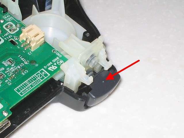 DS3 Dualshock3 デュアルショック3 Wireless Controller Black CECHZC2J A1 組み立て作業、L1・R1 ボタンを画像のようにラバーパッドがあるところに挿入してセットする