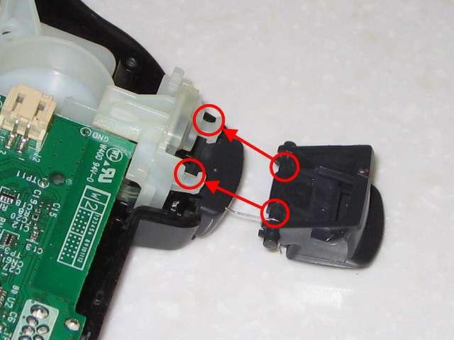 DS3 Dualshock3 デュアルショック3 Wireless Controller Black CECHZC2J A1 組み立て作業、L2・R2 ボタンを画像赤丸の位置に合わせて取り付け