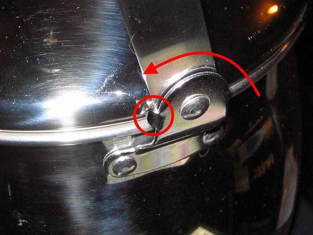エルマース ステンレス製 広口 ケットル 3.2L H-2042 取っ手の金属ストッパー 外側