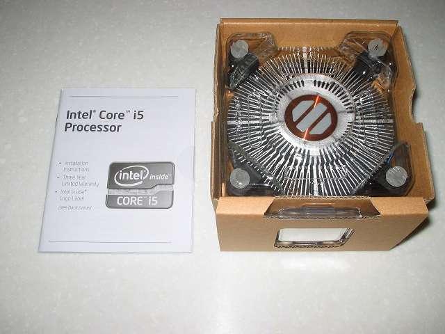 Intel Core i5 3570 付属CPUクーラー取り出し その 2