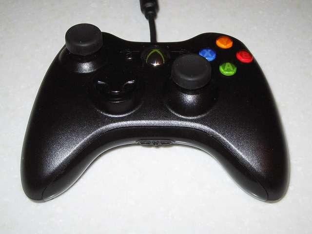アクラス PS3用 コントローラーキャップセットのアナログスティック用キャップ(ノーマルタイプ)を Microsoft Xbox360 有線コントローラー Xbox 360 Controller for Windows リキッド ブラック 52A-00006 に取り付けたことによりスティックの高さが上がるものの、滑りにくくなり操作性がよくあり改善した