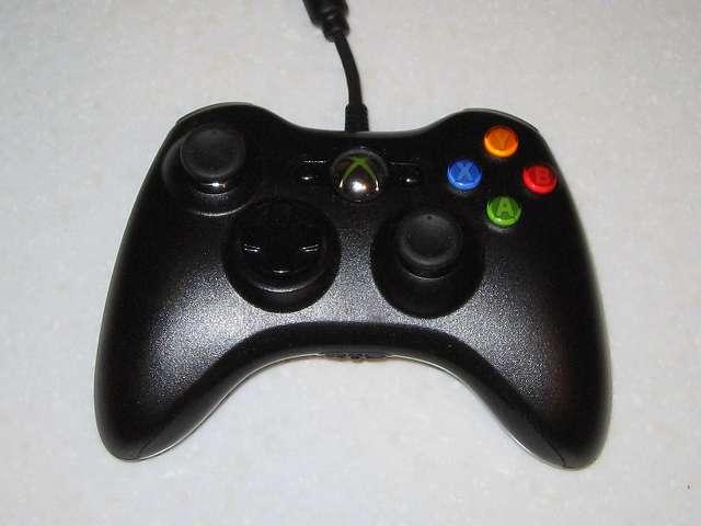 Microsoft Xbox360 有線コントローラー Xbox 360 Controller for Windows リキッド ブラック 52A-00006 組み立て作業、動作確認を行い問題ないかどうか確認する