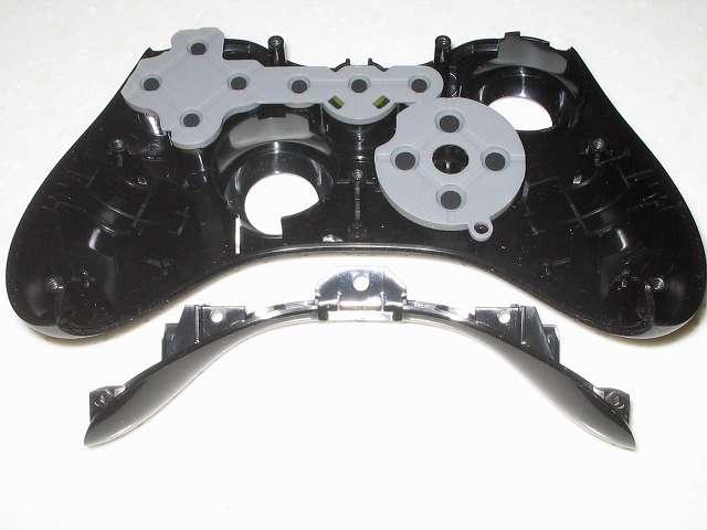 Microsoft Xbox360 有線コントローラー Xbox 360 Controller for Windows リキッド ブラック 52A-00006 分解作業、コントローラー本体に取り付けられている ヘッドセット端子側になるサイドパーツ取り外し