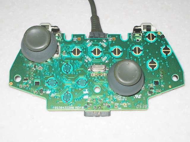 Microsoft Xbox360 有線コントローラー Wired Controller ホワイト 分解作業、電子回路基板 アナログスティック側