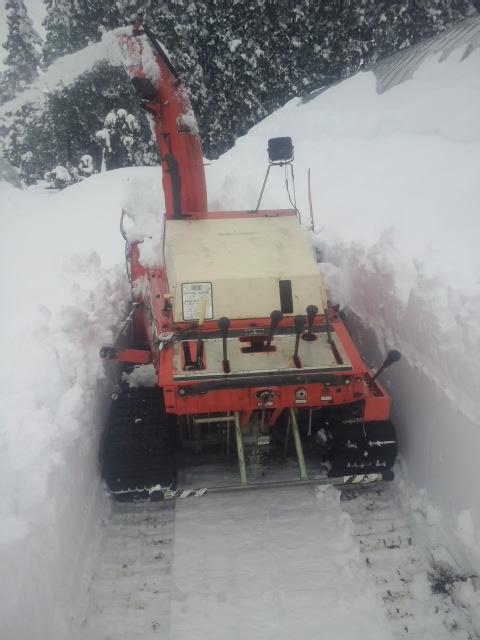 家の除雪機 ロータリーが2つある