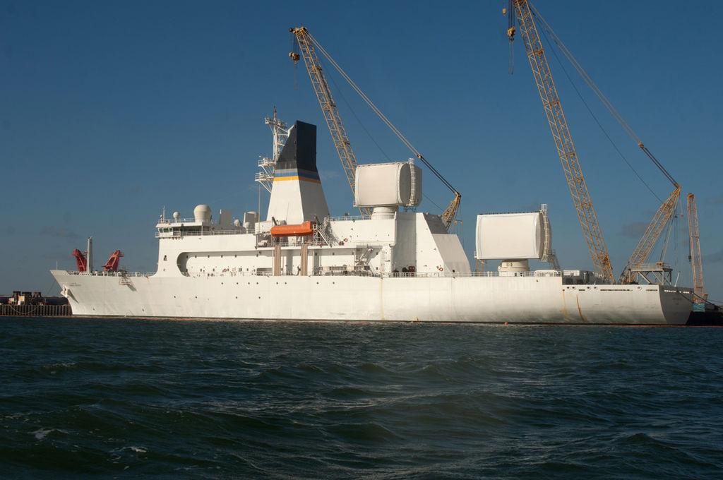 米海軍のミサイル追跡艦_5