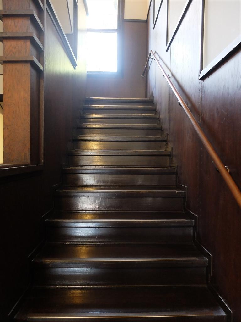 2階にも上がってみる_1