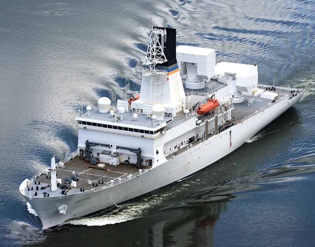 米海軍のミサイル追跡艦_4