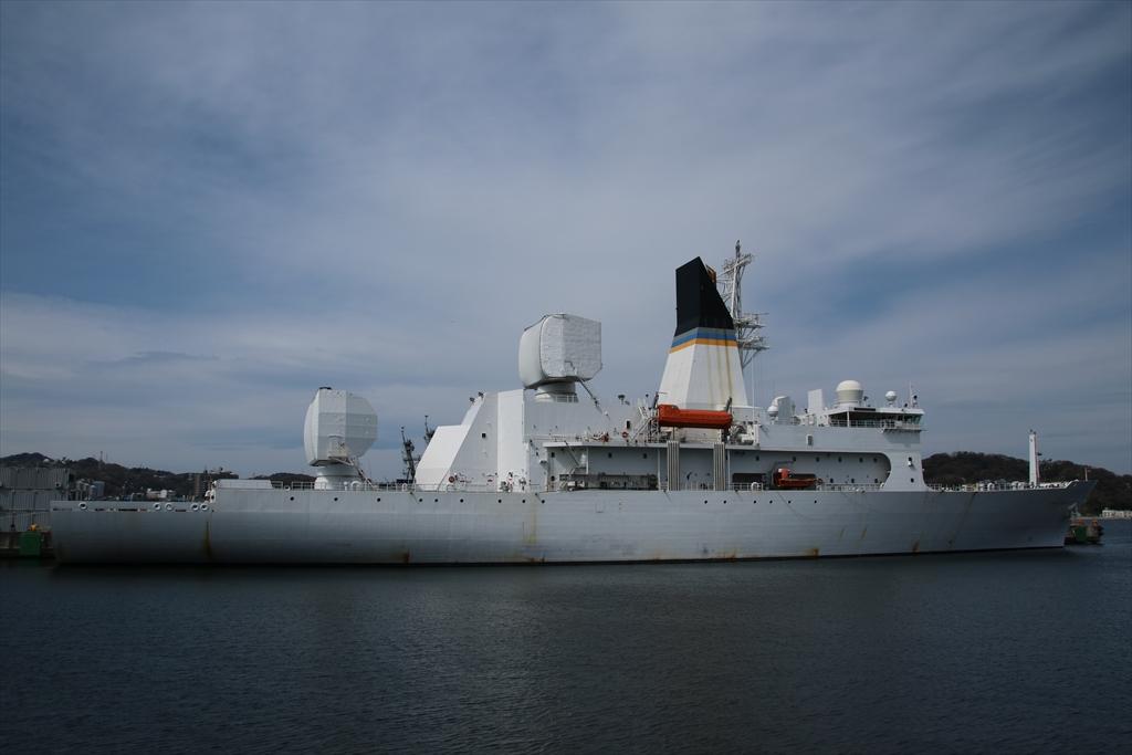 船尾から見たミサイル追跡艦_3