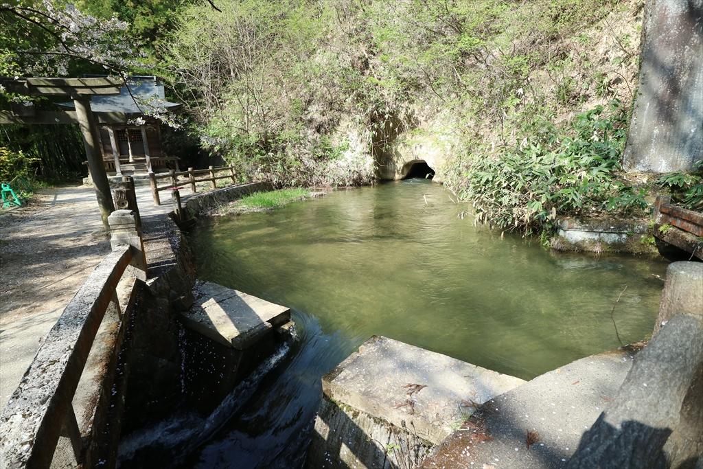 戸ノ口堰洞穴_1