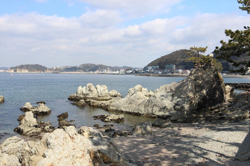 海に向かって右側の眺め_3