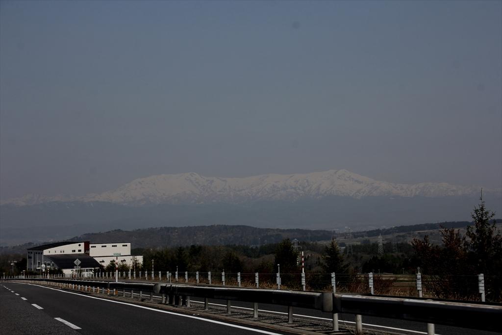 前方の山はかなり白かった_2