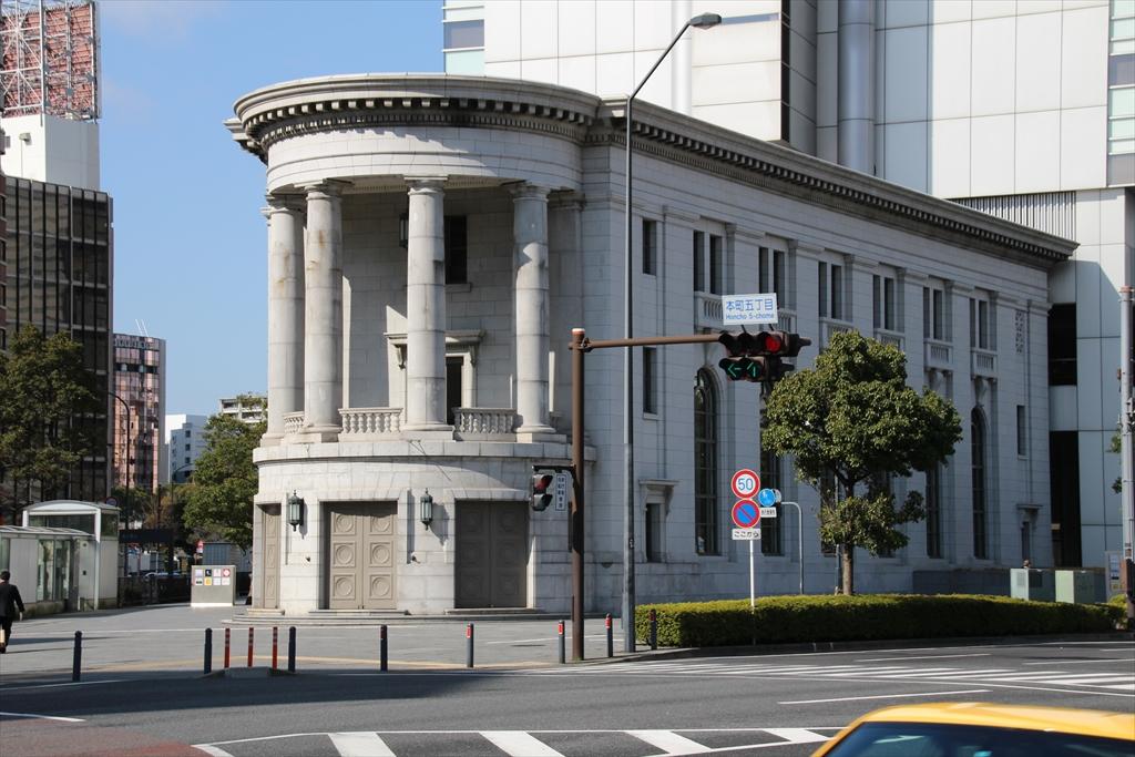 横浜アイランドタワー低層部(ヨコハマ創造都市センター)