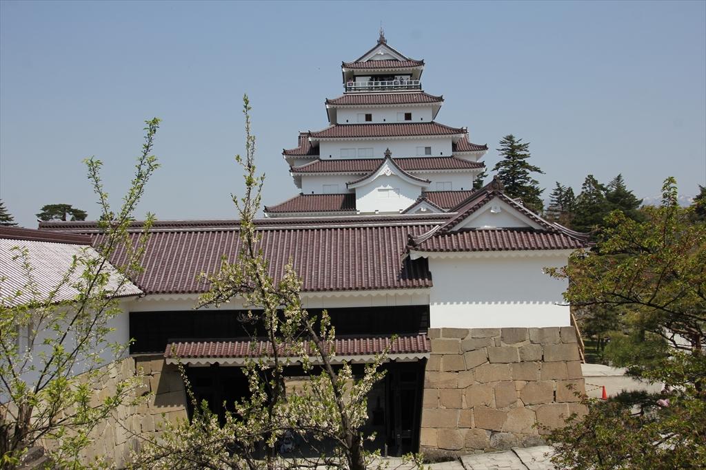 干飯櫓出口付近から鉄御門、大天守方面を見る_1
