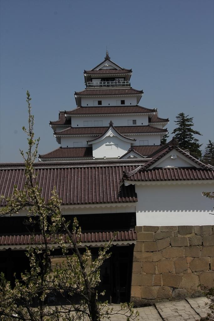 干飯櫓出口付近から鉄御門、大天守方面を見る_2