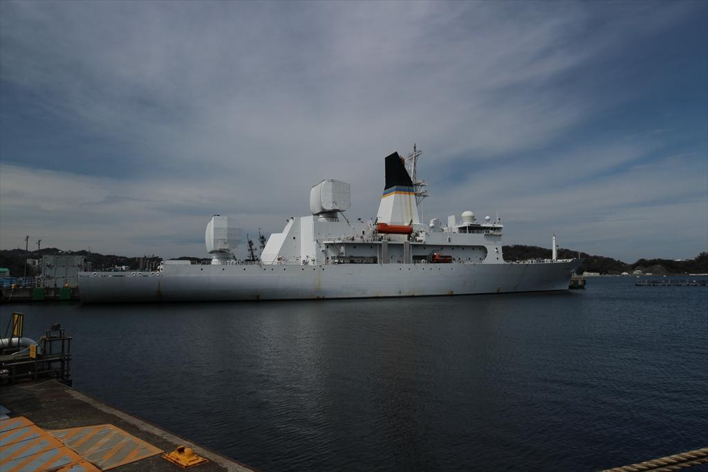 船尾から見たミサイル追跡艦_1