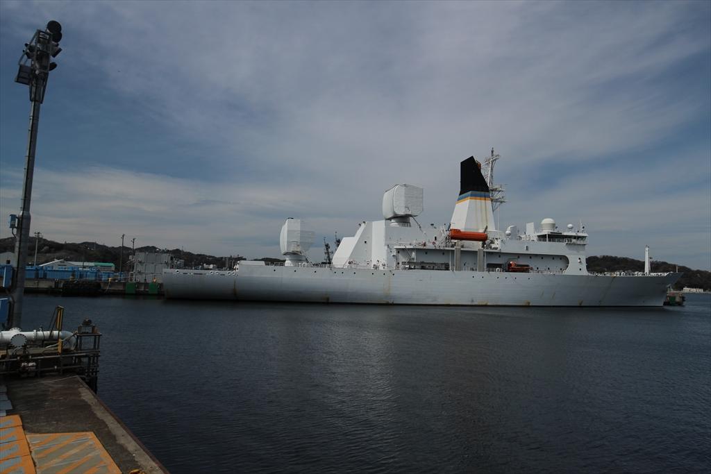 船尾から見たミサイル追跡艦_2