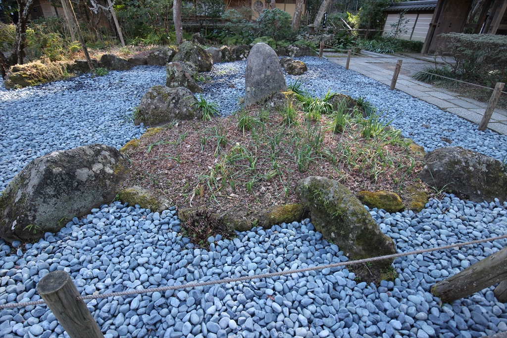 前庭の石庭_1
