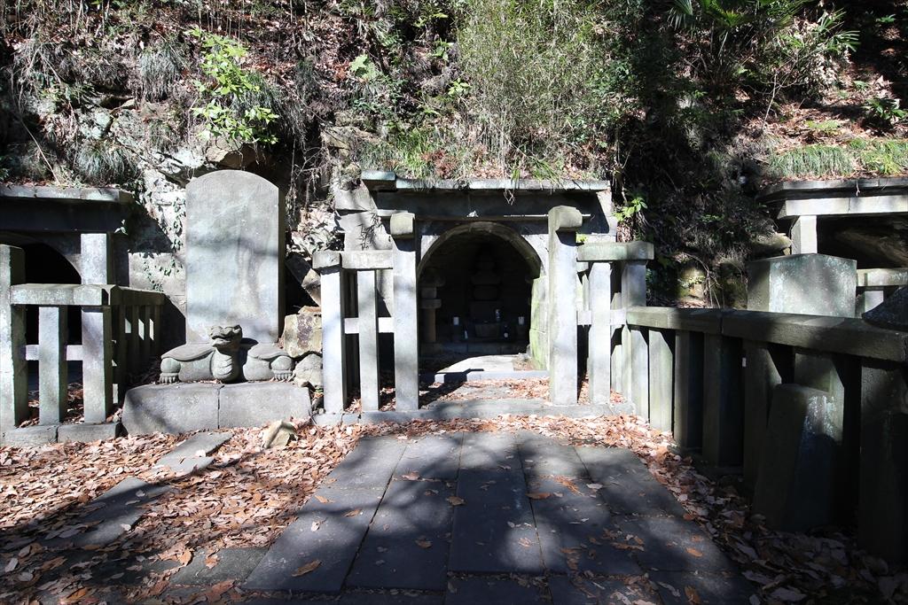 3つの墓の集合写真