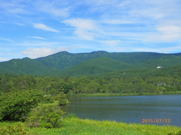 バラギ湖と四阿山
