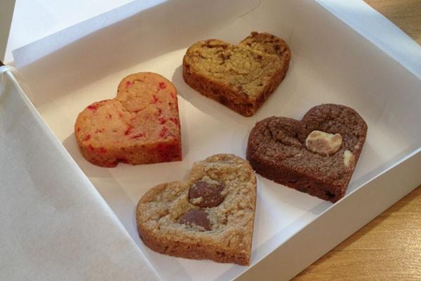 assortiment-de-8-cookies-coeur.jpg