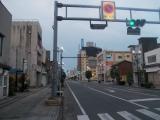 早朝の高崎市内を走る