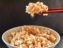 肉を摂らない「玄米食長寿法」はホントに長生き?