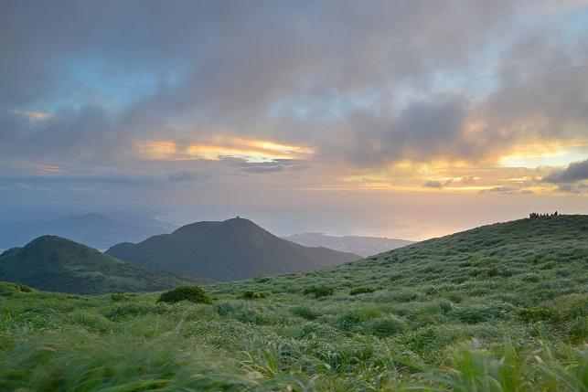 雲の彼方に日が暮れる(3)