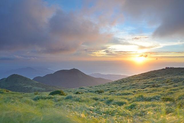 雲の彼方に日が暮れる(2)