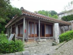 金城村屋(カナグシクムラヤー)